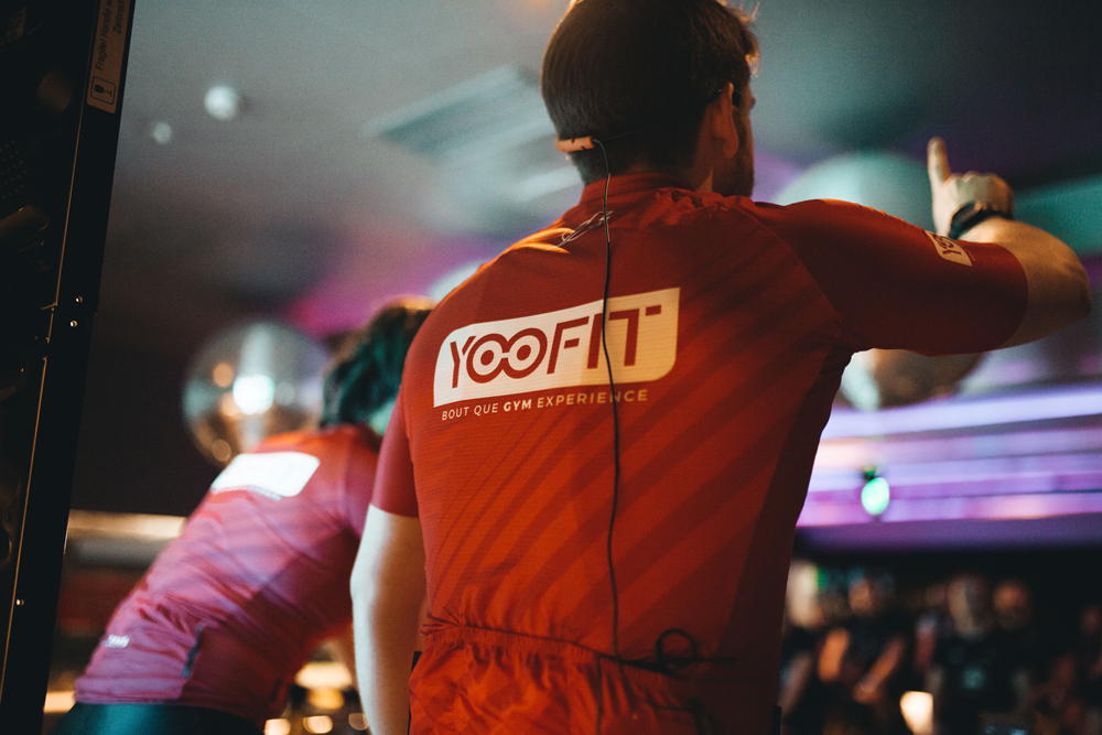 Sesion de spinning o ciclo en yoofit boutique gym 02